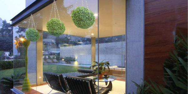 indoor artificial hanging ball can add an accent for the interior design
